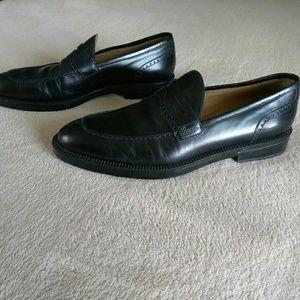 Gucci black leather split toe penny loafers size 9